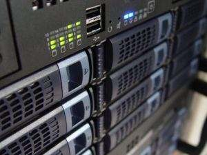 Serwerownie wymagają nieprzerwanego zasilania, nawet sekunda przerwy to za dużo.